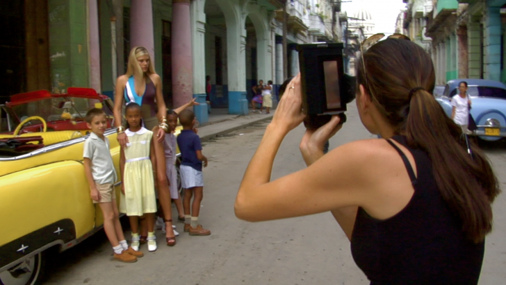 Daniela Federici shooting in the Havana, Cuba streets
